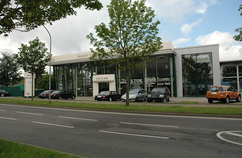 Autohaus Coenen - Eingangsbereich