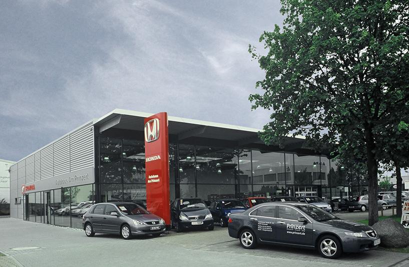 Autohaus Prinzert - Seitenansicht