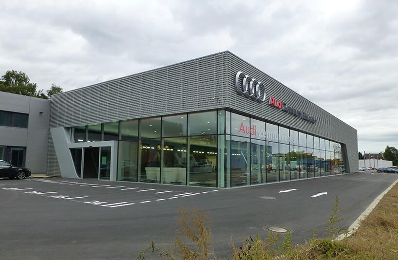 Audi Zentrum Bielefeld - Außenansicht bei Tageslicht