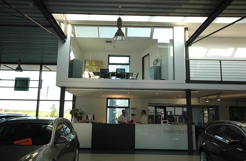 Autohaus Helm Krais - Empfangsbereich