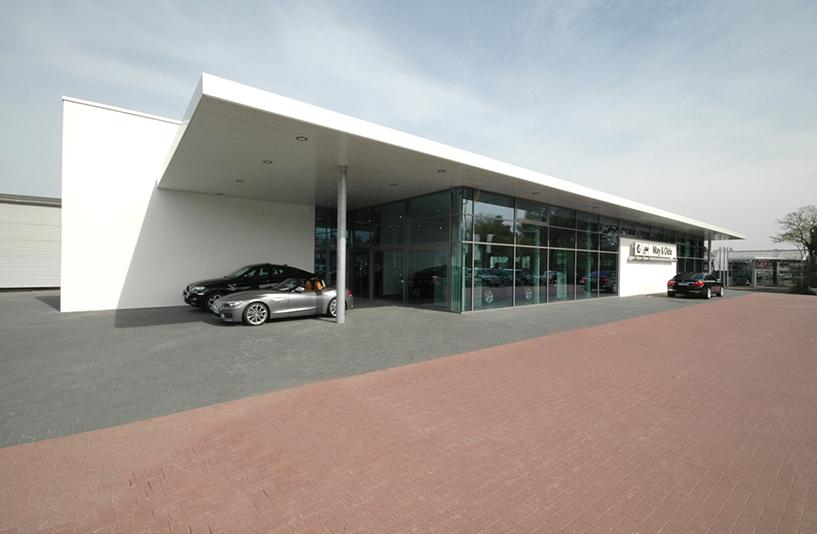 Autohaus May & Olde - Seitenbereich außen