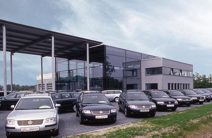 Autohaus Menzel - Seitenansicht