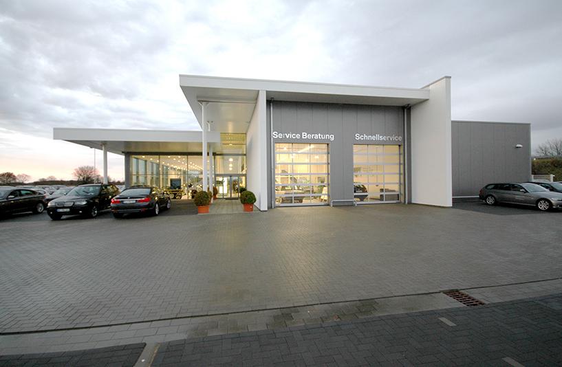 Autohaus Bauer Husum - Seitenansicht
