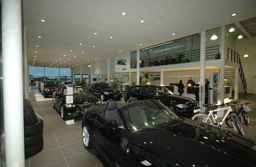 Autohaus Bauer Husum -Showroom & Empfangsbereich