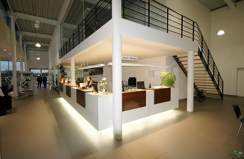 Autohaus Bauer Husum - Empfangsbereich
