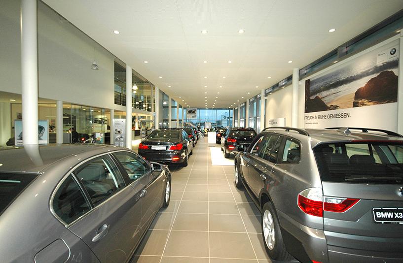 Autohaus Bauer Husum - Showroom Detailansicht