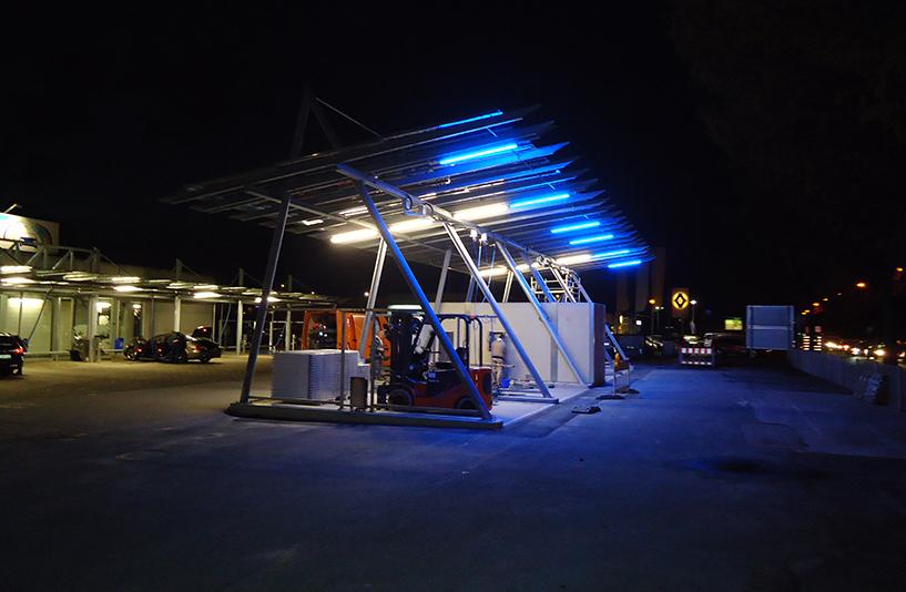 BAF Waschanlage Bergmann Autowäsche - Waschplätze bei Nacht