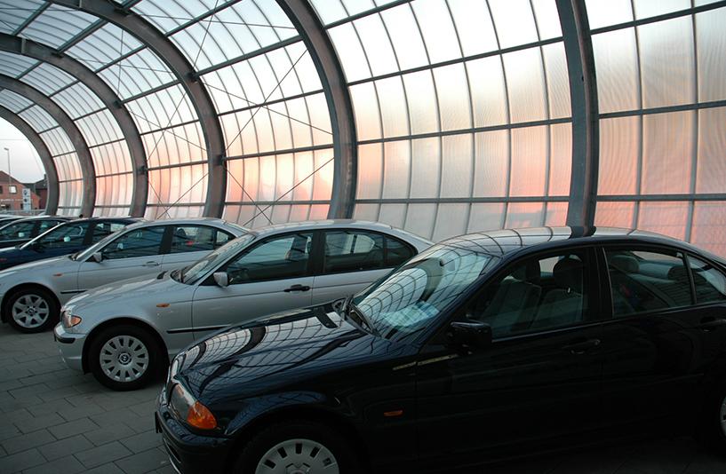 BMW Brinkmann - Verkaufsautos im Außenbereich