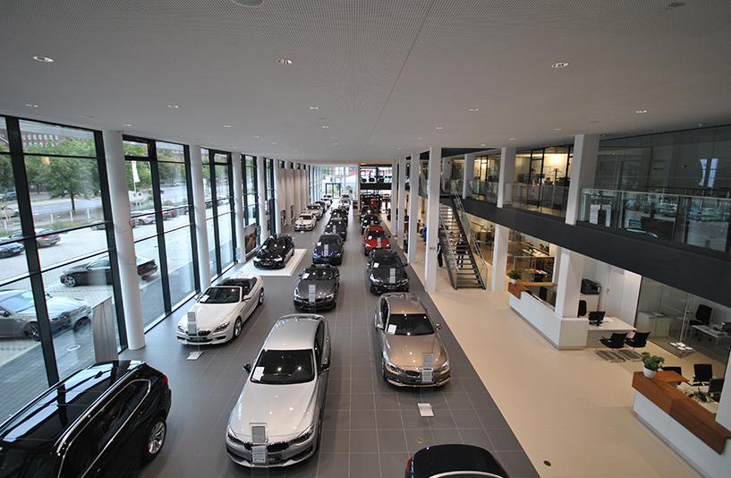 Autohaus BMW Nefzger Berlin - Showroom
