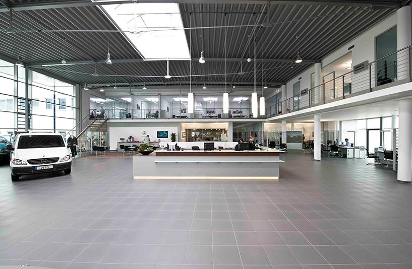 Mercedes-Benz NFZ-Zentrum Eschweiler – Empfangsbereich