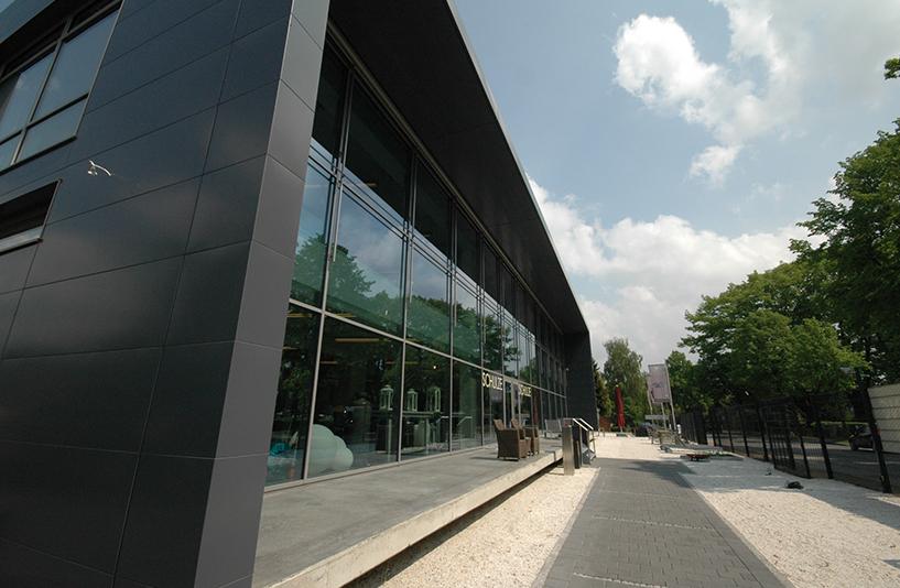 Gartencenter Schulze - Seitenansicht der Glasfront