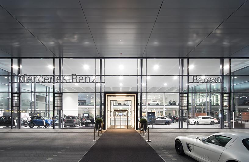 Merecedes Benz Beresa – Eingang