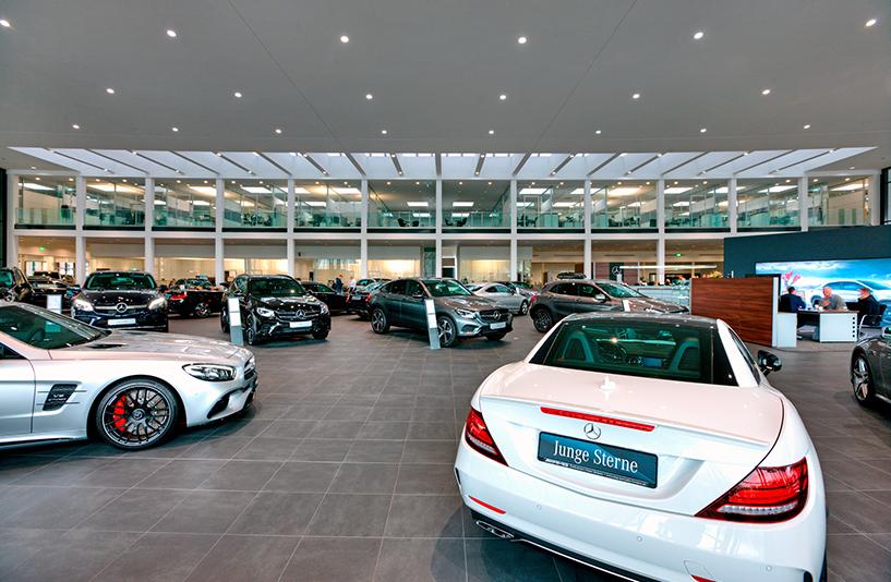 Mercedes Benz Bremen – Showroom