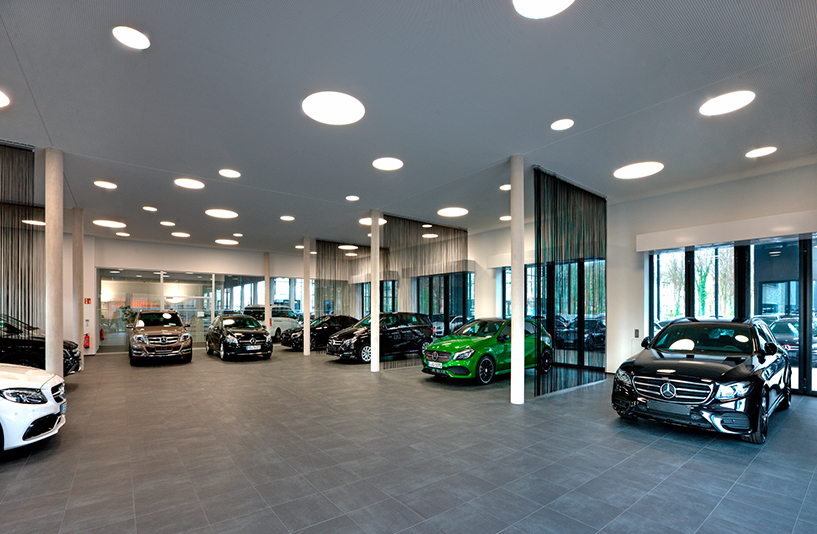 Mercedes Benz Bremen – Showroom