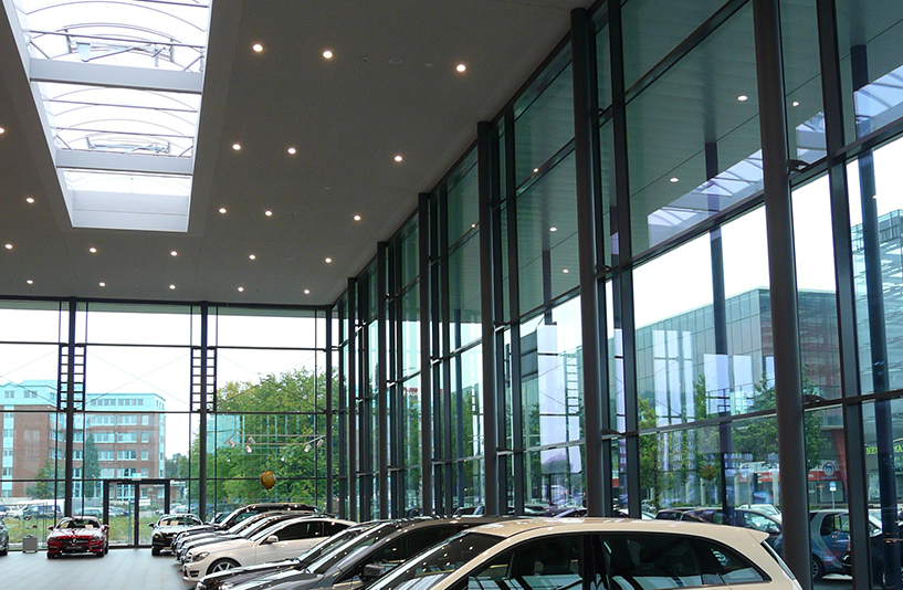 Mercedes-Benz NDL Hamburg – Fensterfronten im Showroom