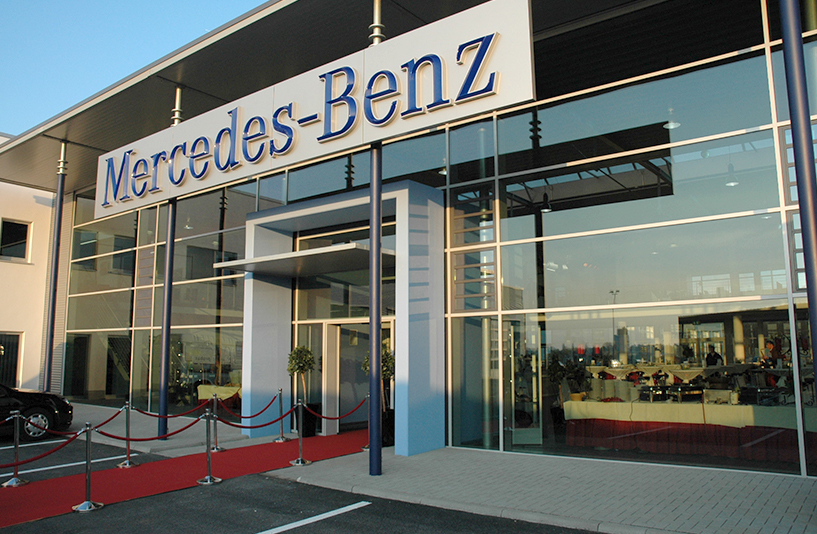 Mercedes-Benz NFZ-Zentrum Eschweiler – Eingangsbereich