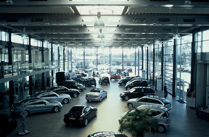 Mercedes-Benz Munderloh – Showroom