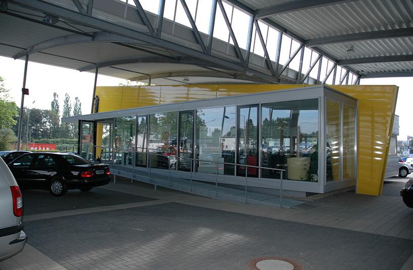 Opel Schiermeier - Eingangsrampe