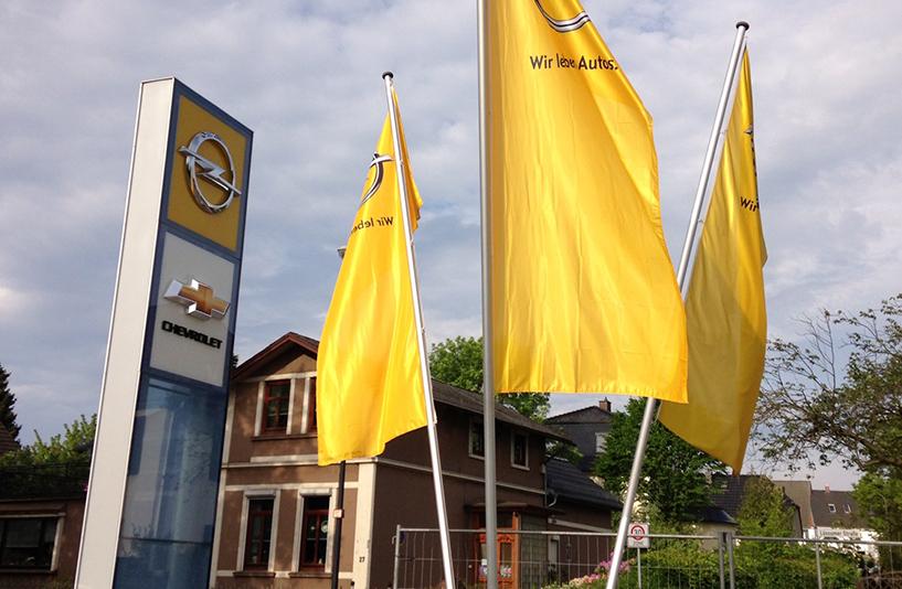 Opel Orléa (Schleef) – Fahnen