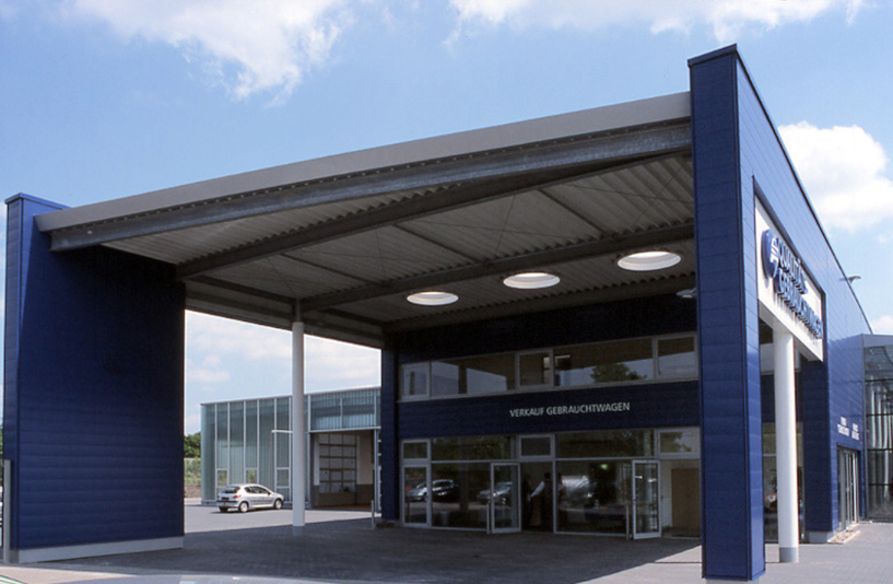 Peugeot Lokstedt – Außenansicht Verkauf Gebrauchtwagen
