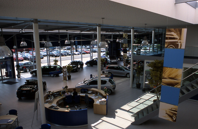 Peugeot Lokstedt – Showroom