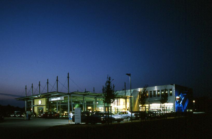 VW B68 - Gebäude bei Nacht