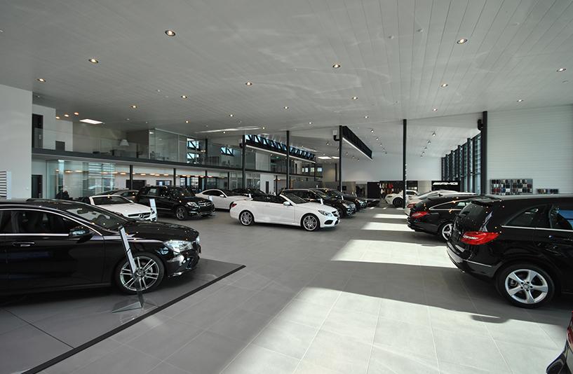 Autohaus Hirsch - Showroom Innen