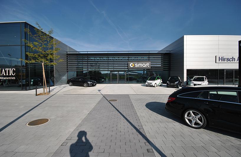 Autohaus Hirsch - Eingangsbereich Frontansicht