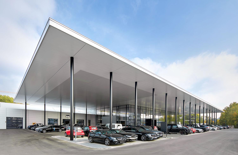 Mercedes-Benz_Niederlassung_Augsburg_Aussen_Ecke-web