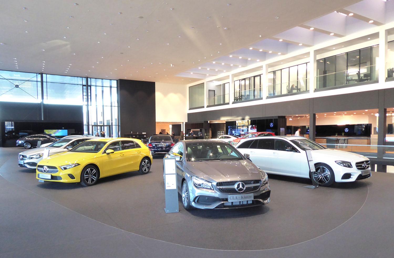 Mercedes-Benz_Niederlassung_Augsburg_Innen_Ausstellung3-web