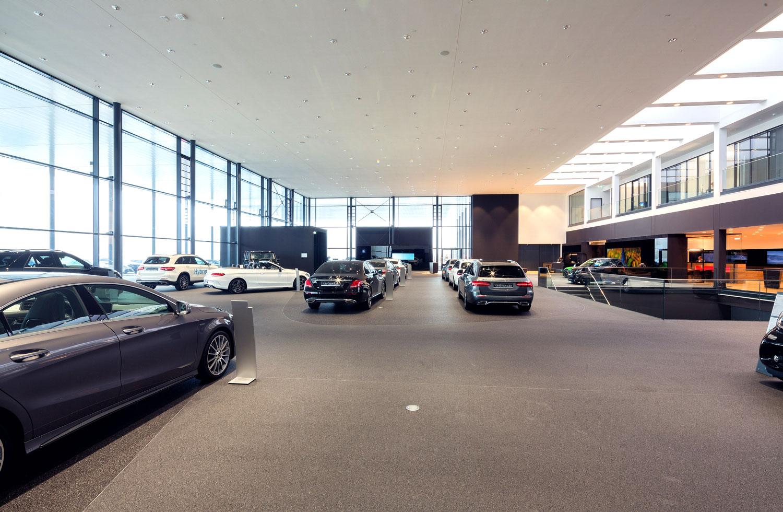Mercedes-Benz_Niederlassung_Augsburg_Innen_Ausstellung4-web
