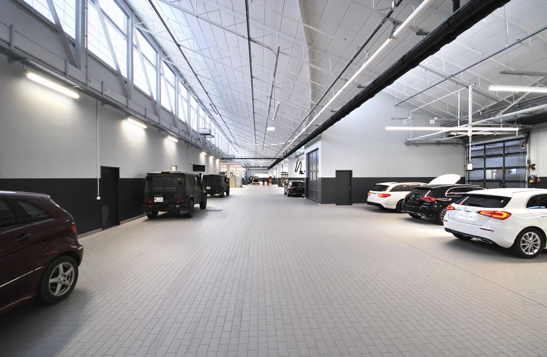 Mercedes-Benz_Niederlassung_Augsburg_Innen_Werkstatt-web